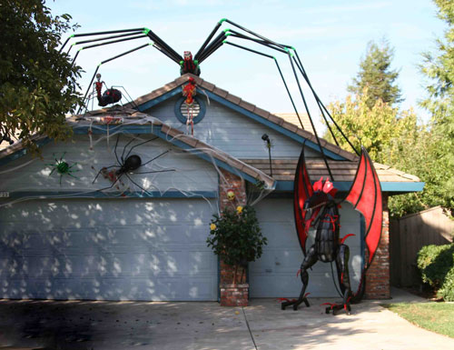 this one is just one of a kind theyve taken the b rated old school horror movie approach with giant creatures i just saw a portion of a gem called the - Halloween Houses Decorated